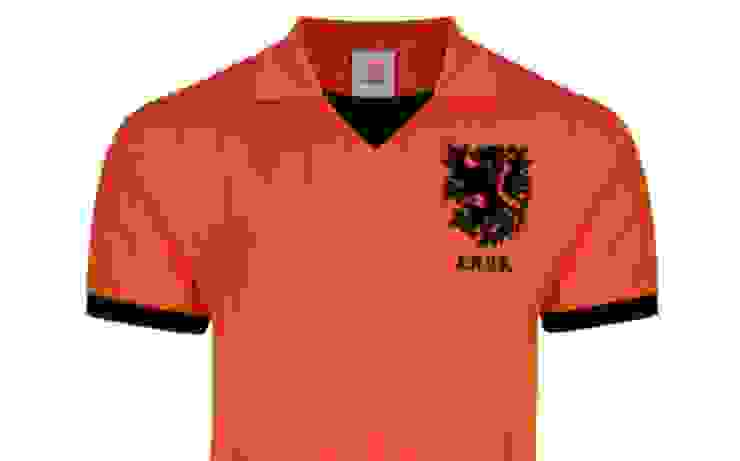 Holland retro voetbalshirt 1983.jpg